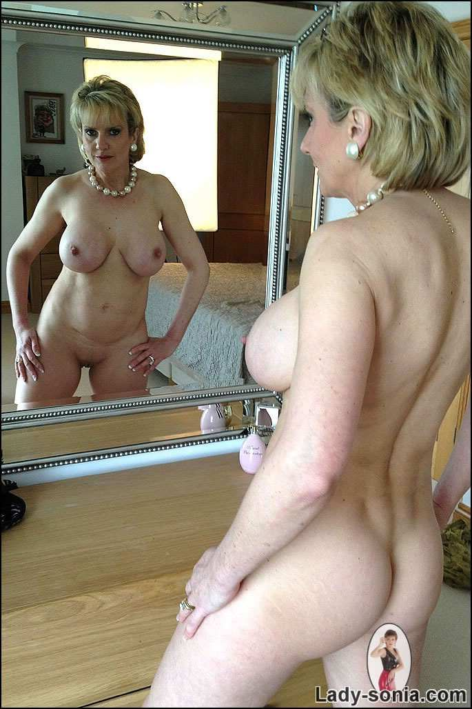 mature naked in mirror