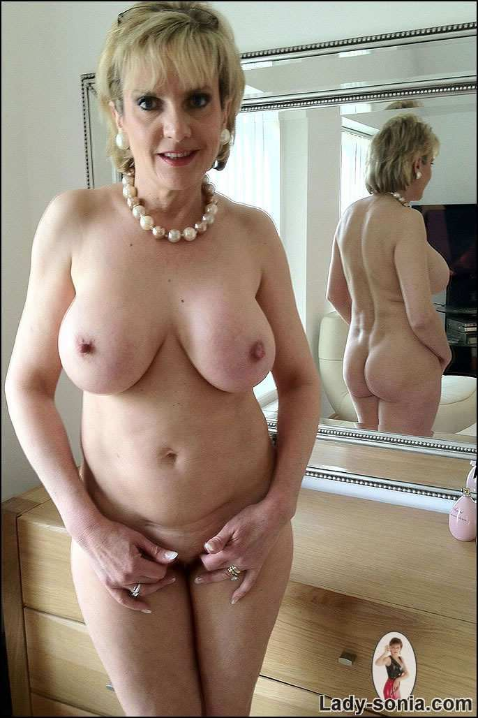 Picture Shameless Mature Slut Is Teasing You By Posing Naked In