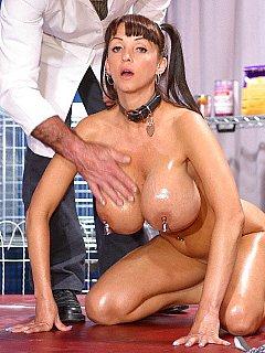 Nude Stripteas
