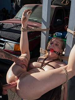 garage Bdsm bondage