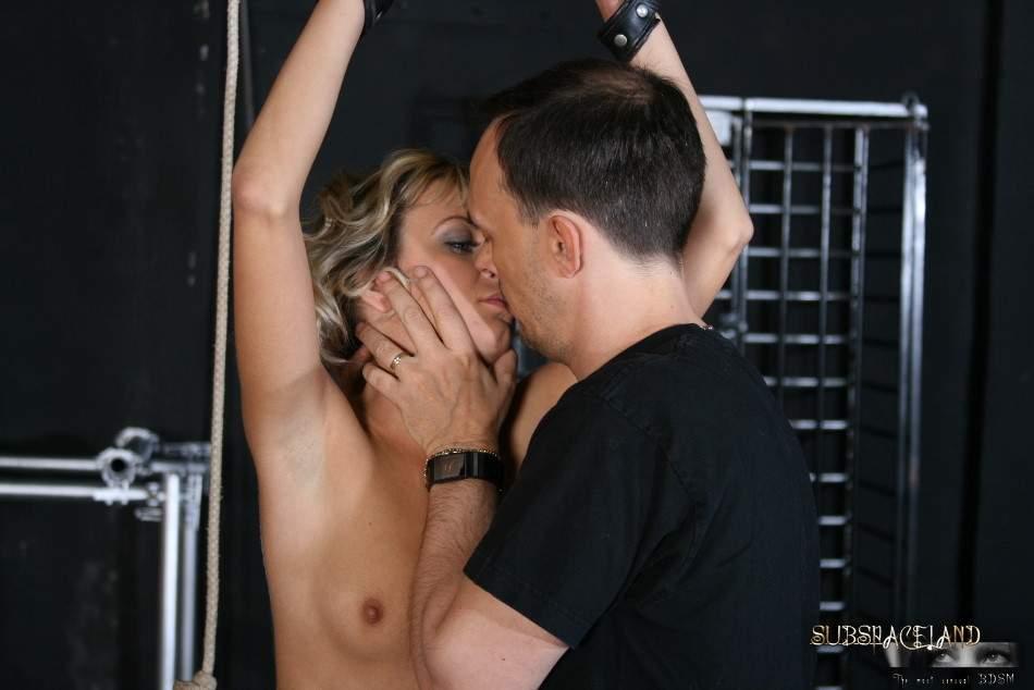 порно жена мучает мужа