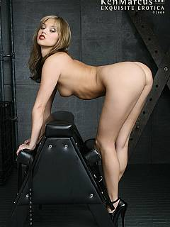 internationale pornostars bdsm high heels