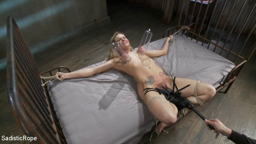 gallows-hanging-on-bdsm