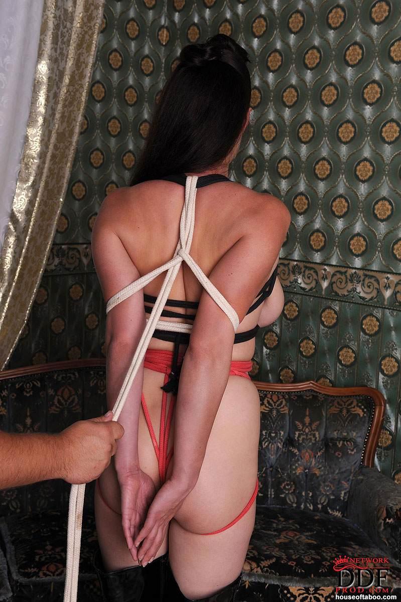 Heather graham jaime winstone nude