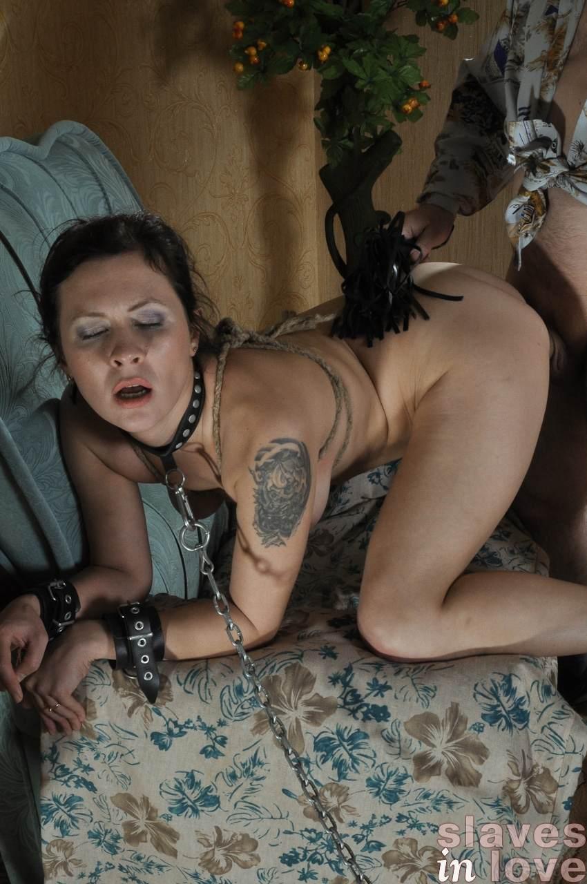 Порно рабыни выполняют любую прихоть хозяина фото 2-668