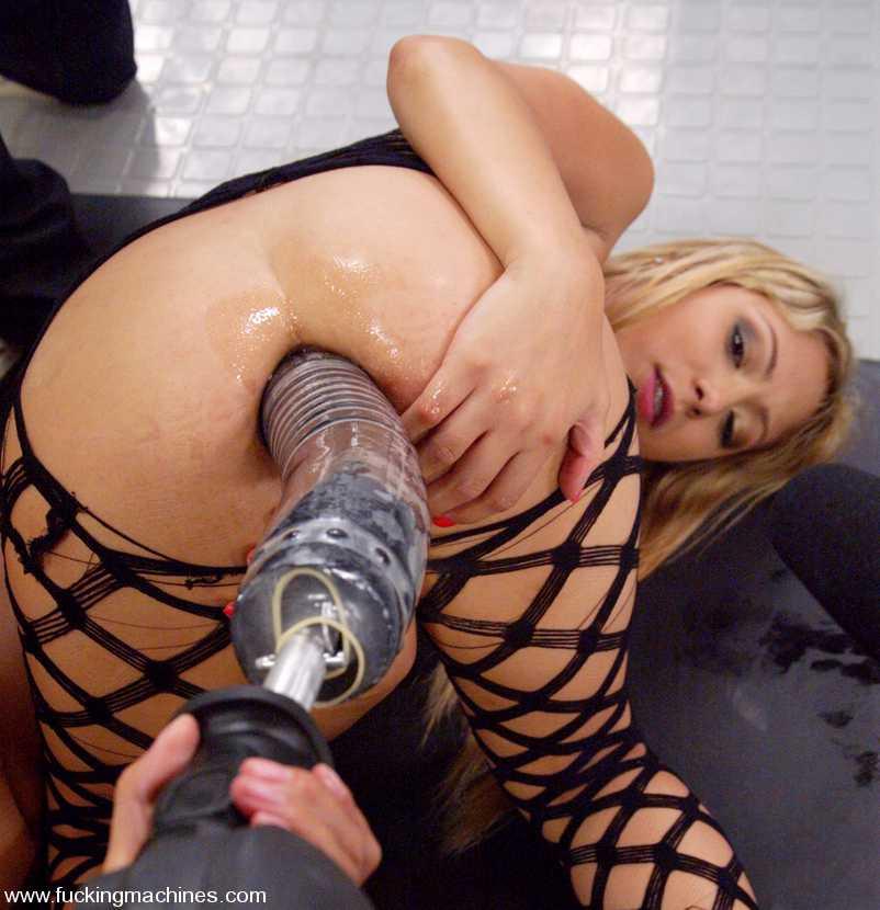 секс видео с порно механическими игрушками