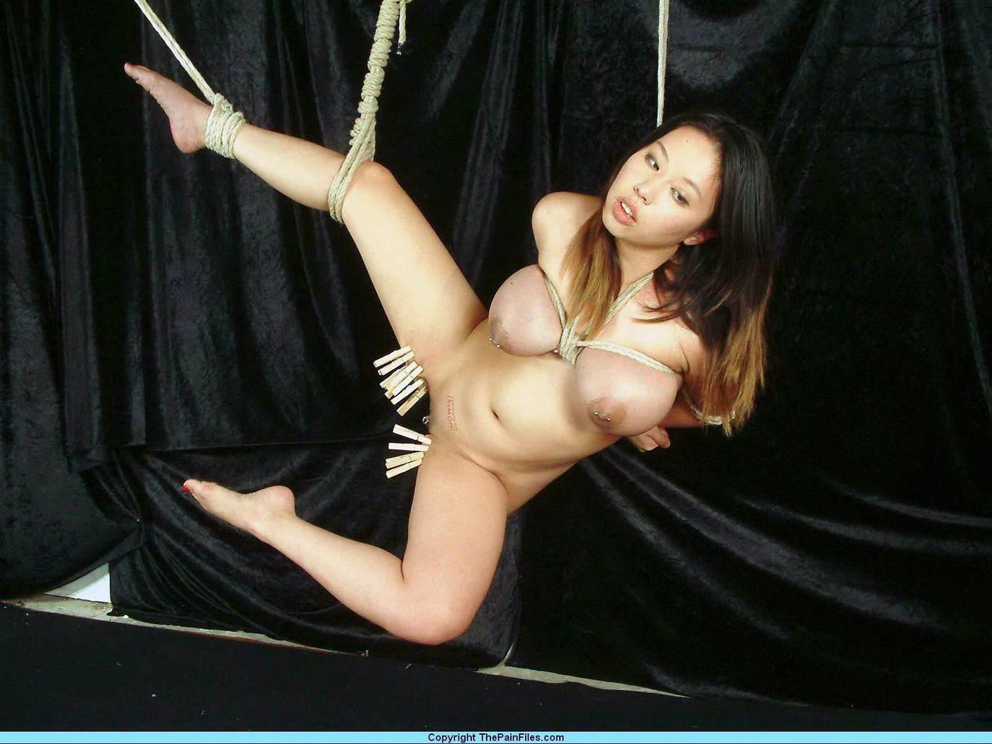 Hanged women sex sexy pics
