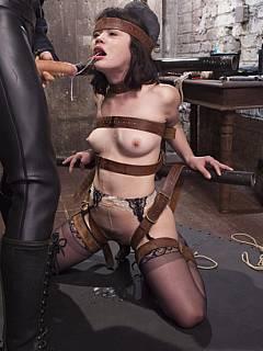 hardcore-leather-bondage-pics-black-women-squirting-titty-milk