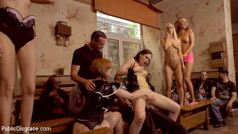 Порно кинк публичное 9436 фотография