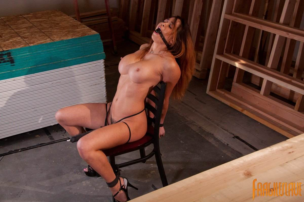 Mia Lelani picture 12