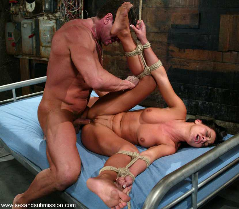 bdsm-i-zhestkiy-seks-video