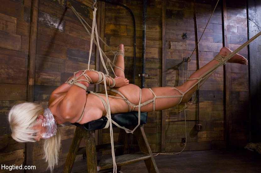 бдсм блондинка кляп веревка фото
