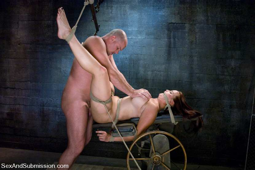 фото секса садо маза в костюмах и видео пытки женщин