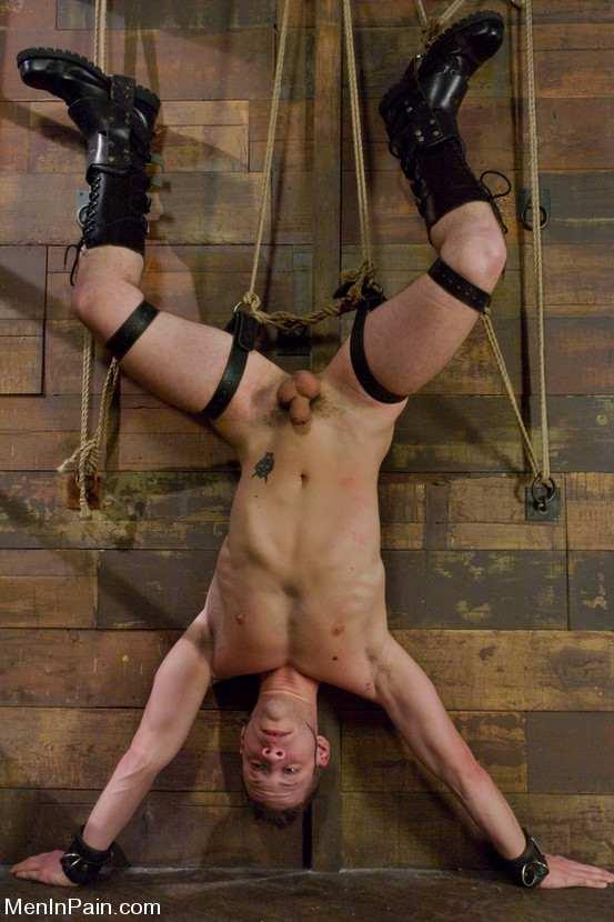 госпожа издевается над рабом видео фото эротика