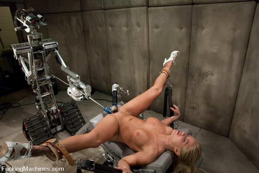 Секс с роботами фото