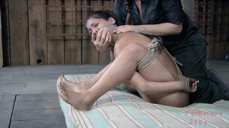 изощренное избиение ногами порно видео