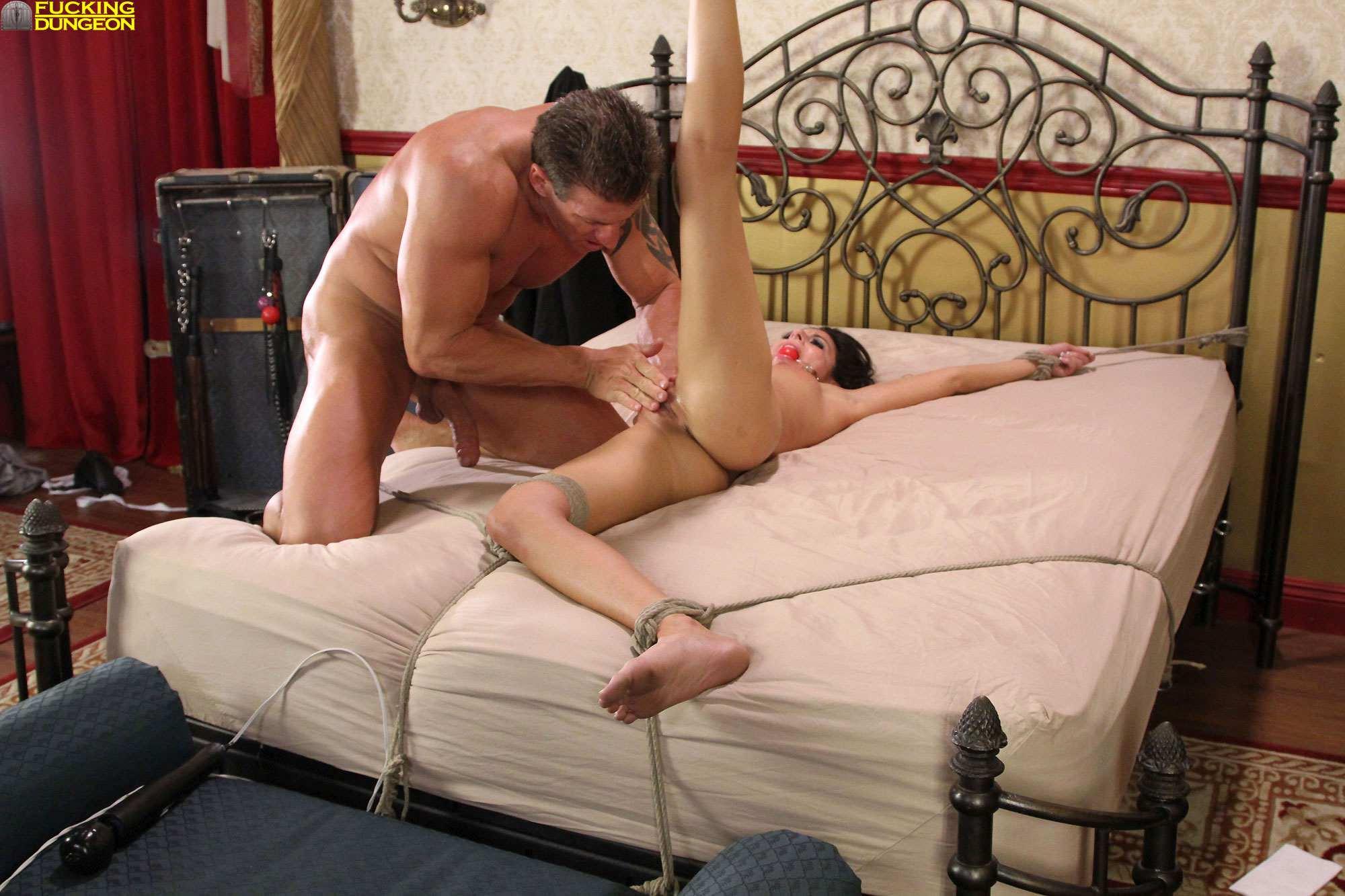 seks-video-nakazal-zhenu