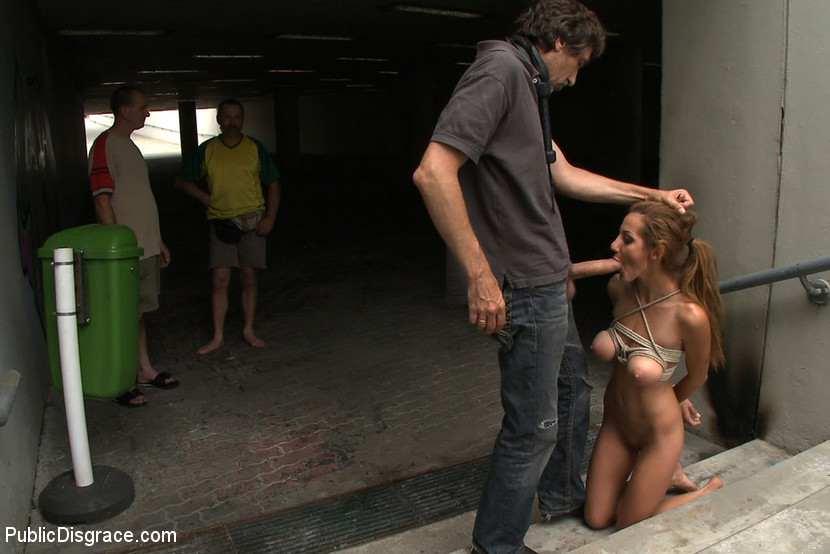 Секс в развратных местах