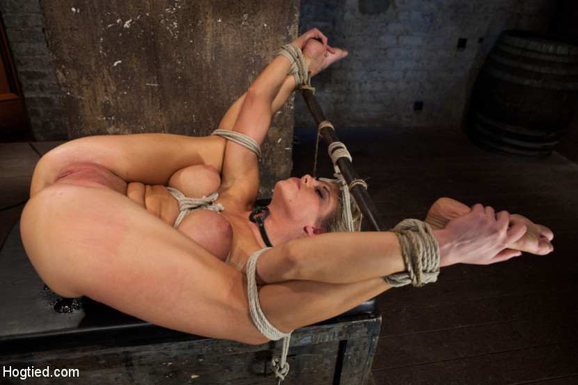 Frog position bondage photos photos 5